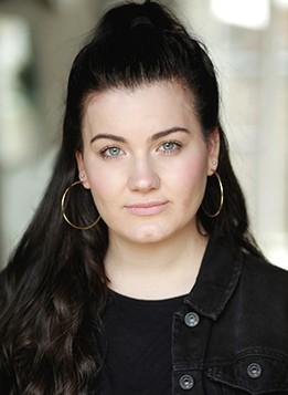 charlotte-jaconelli-profile-3.jpg